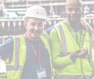 Hommes habits de chantier