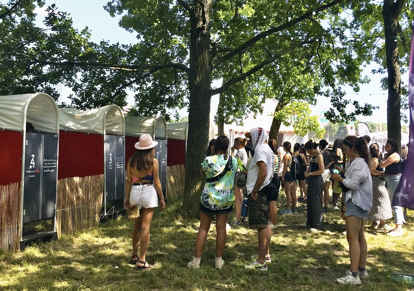 Cabines urinoires pour femmes madamePee Solidays